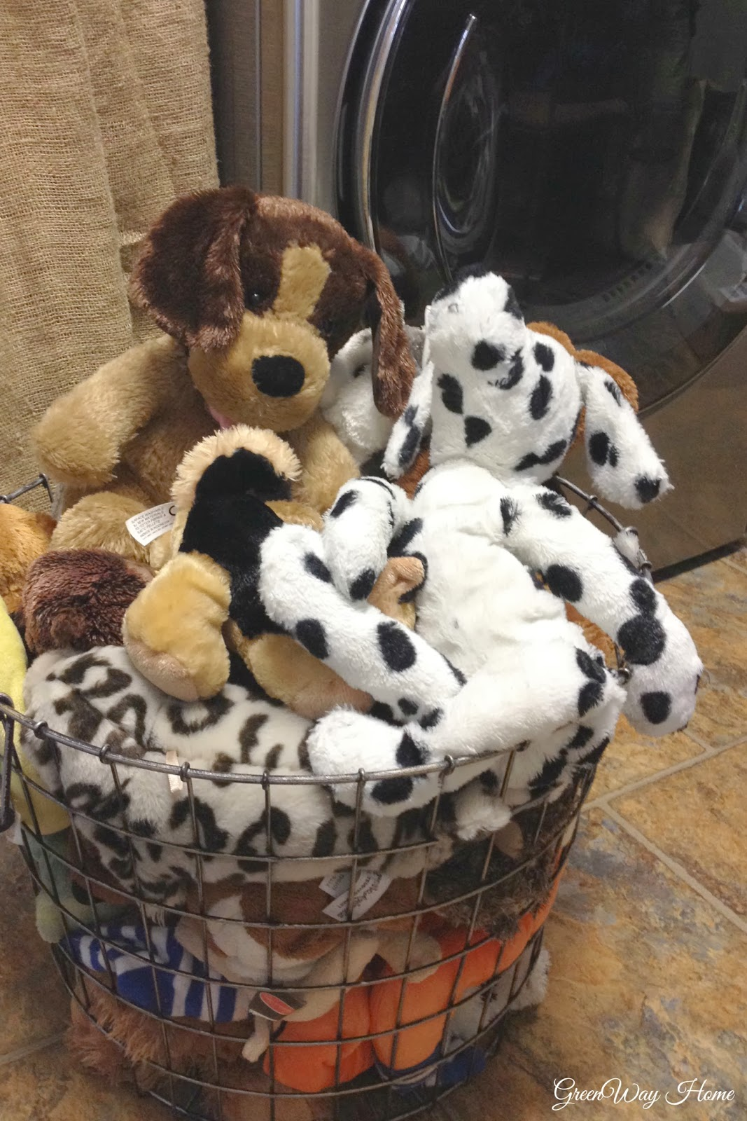 greenway home homekeeping how to clean stuffed animals. Black Bedroom Furniture Sets. Home Design Ideas