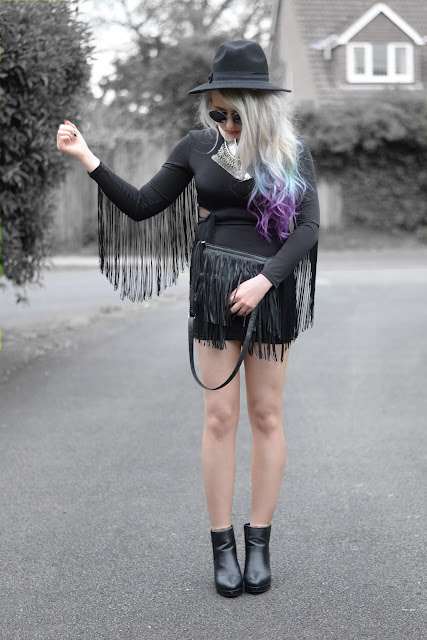 Sammi Jackson - Black Fringes
