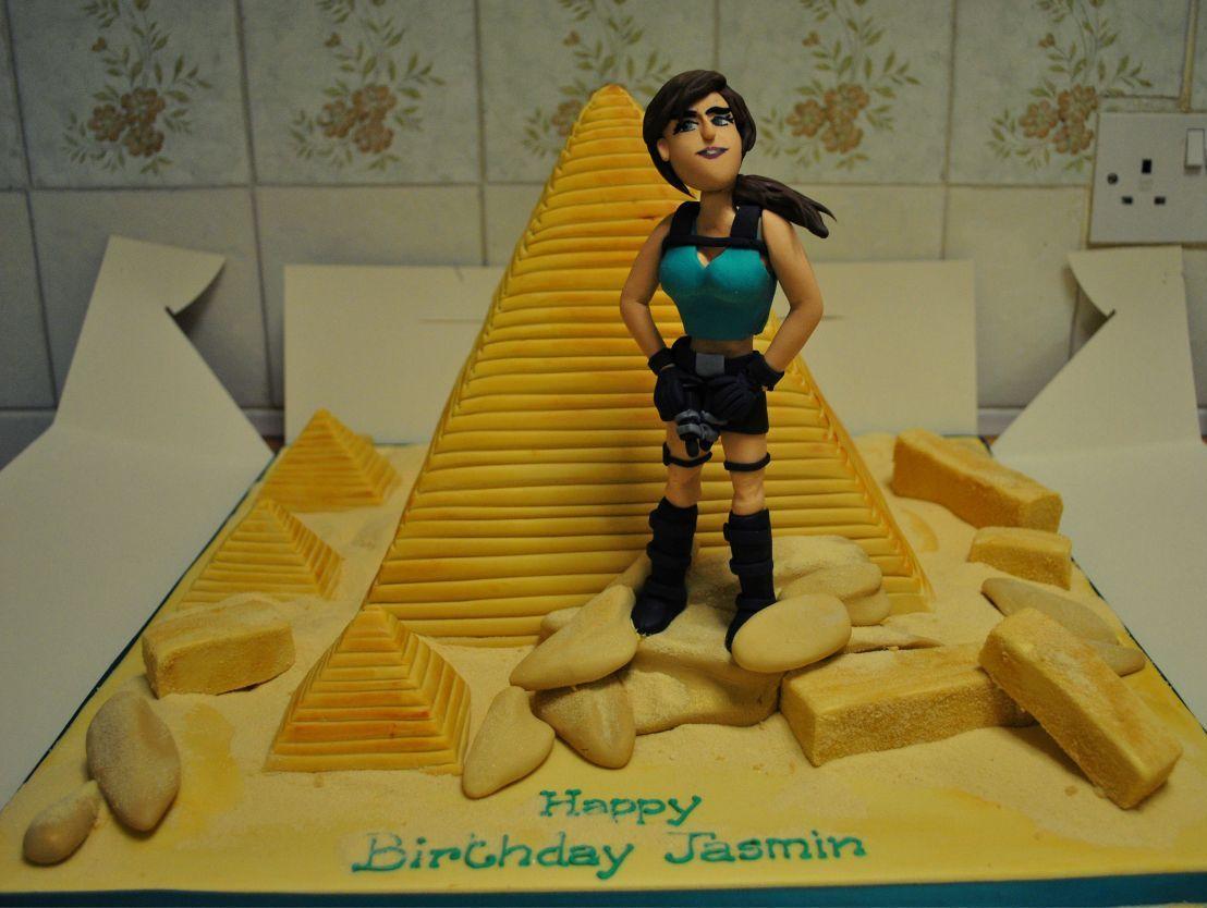 Tomb Raider Birthday cake Discover