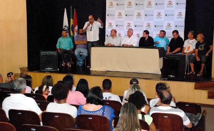 Secretário de Turismo, Ronaldo Fialho, destaca a importância do retorno das escolas de samba para a avenida
