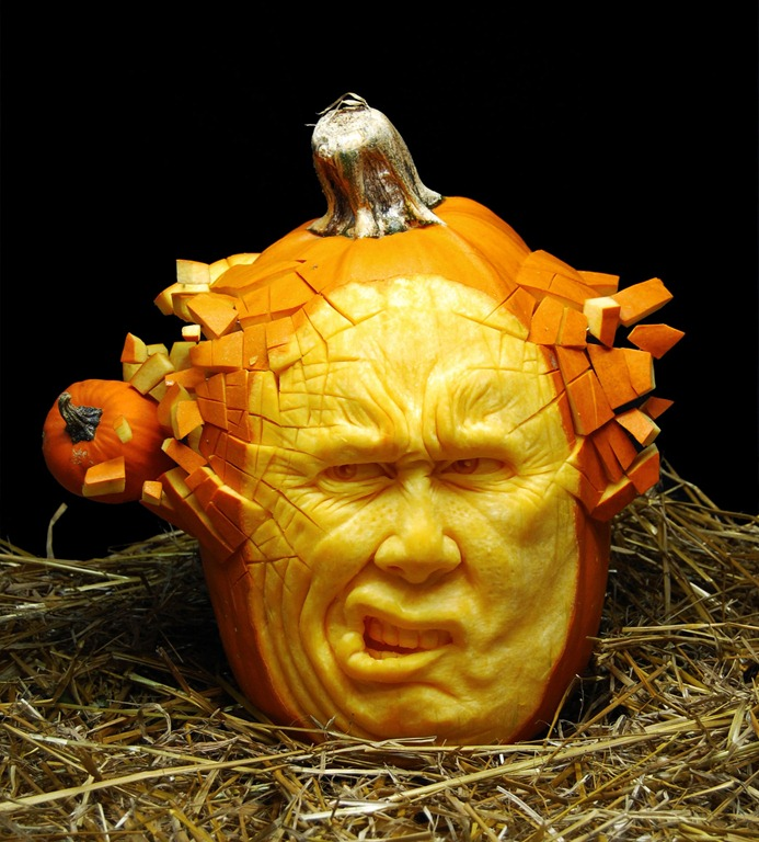 Scary halloween pumpkin carvings by ray villafane