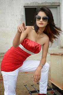 Monica Singh7.jpg