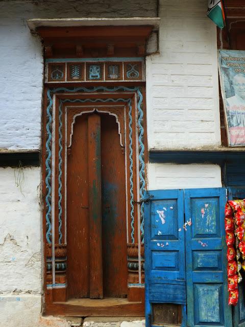 дверь в индийский дом