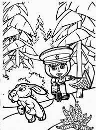 mewarnai gambar masha and the bear memburu kelinci