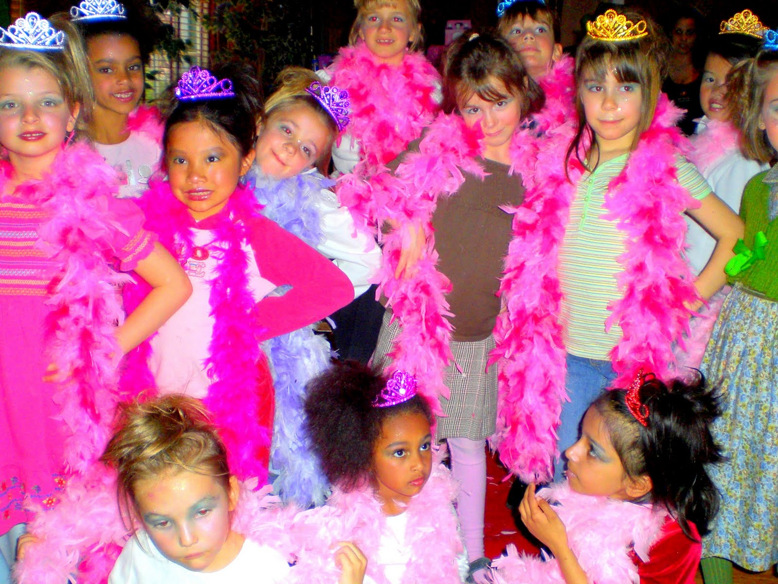 Pajama Kids Spa Parties , Diva Princess Dress Up Party Princess Party ...