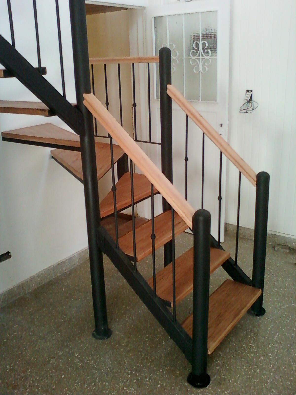 Rodr guez e hijo herrer a y carpinter a de obra for Escaleras de madera sencillas