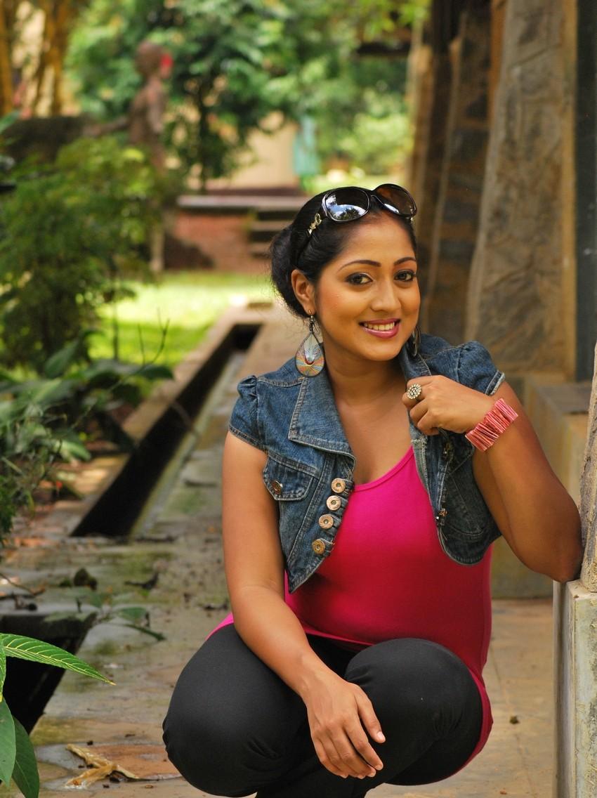 Piyumi | Sri Lankan Hot Model | SL Sexy girl - Sri Lanka