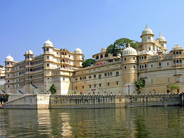 City palace Udaipur hd wallpapers