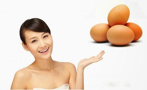 Trứng gà luộc trị mụn trứng cá