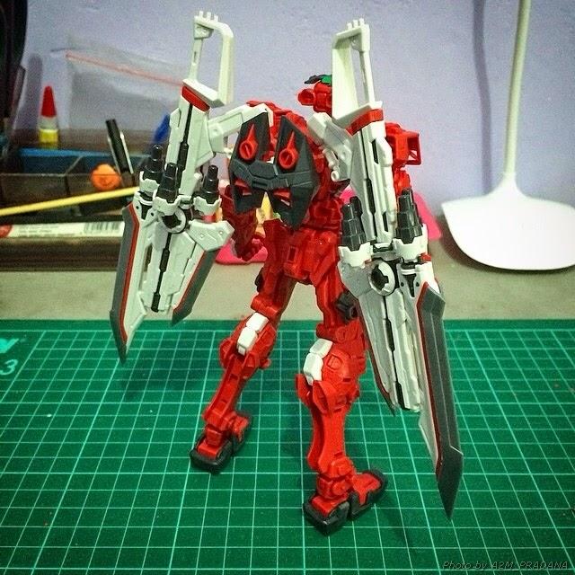 bandai master grade astray red frame