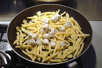 Pasta zucchine e gorgonzola 5