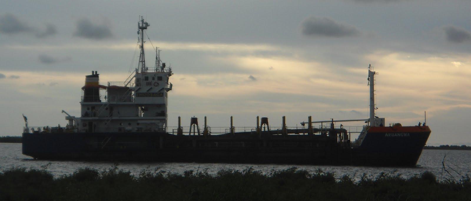 Ship arriving...