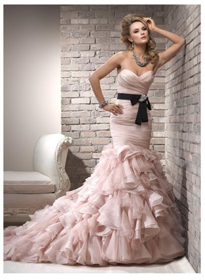 Wedding Dress Color Trends : Color on a black and white photo splash wedding dress