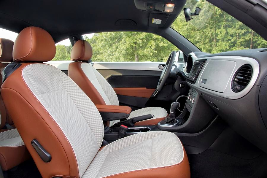 Volkswagen Beetle Classic (2015) Interior