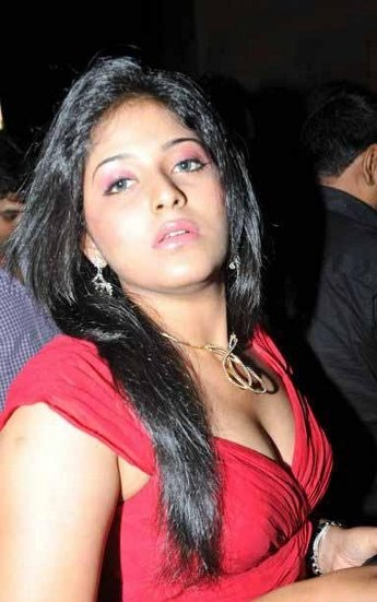 Actress Anjali Hot Cleavage Show Images Photos hot photos