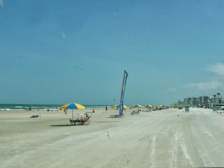 RETOUR À DAYTONA BEACH, POUR LA JOURNÉE_______________