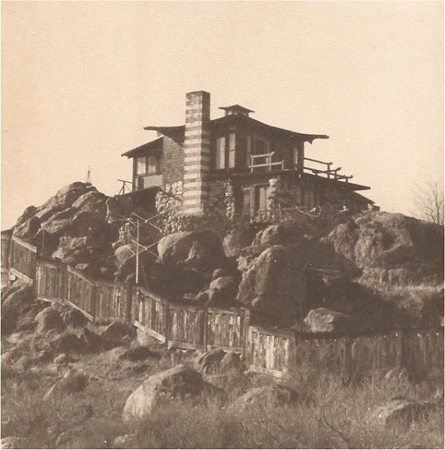 Chinese Castle wacky tacky