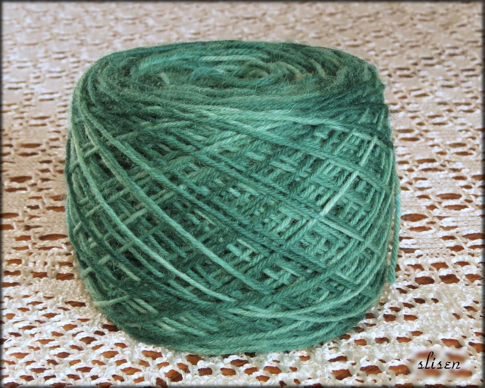 Variegated Yarn : Slisens Happy Place: Paint Dyeing a Skein for Variegated Yarn
