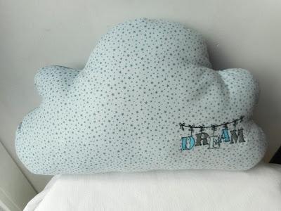 http://www.alittlemarket.com/linge-de-lit-enfants/fr_coussin_nuage_dreams_bleu_gris_etoiles_pois_broderie_machine_personnalisable_-16283684.html