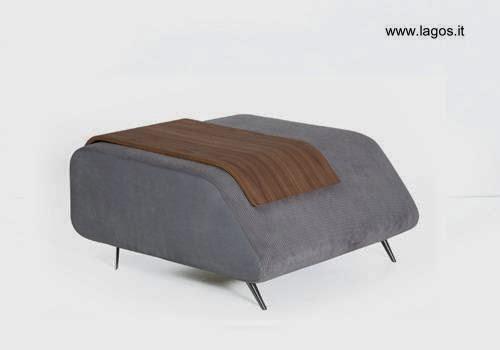 Apoyapiernas de espuma tapizado con bandeja de madera laminada diseño moderno búlgaro