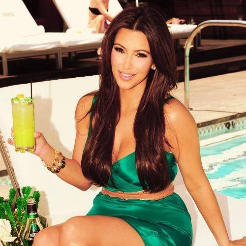 Kim Kardashian New Beautiful Images 2013 14