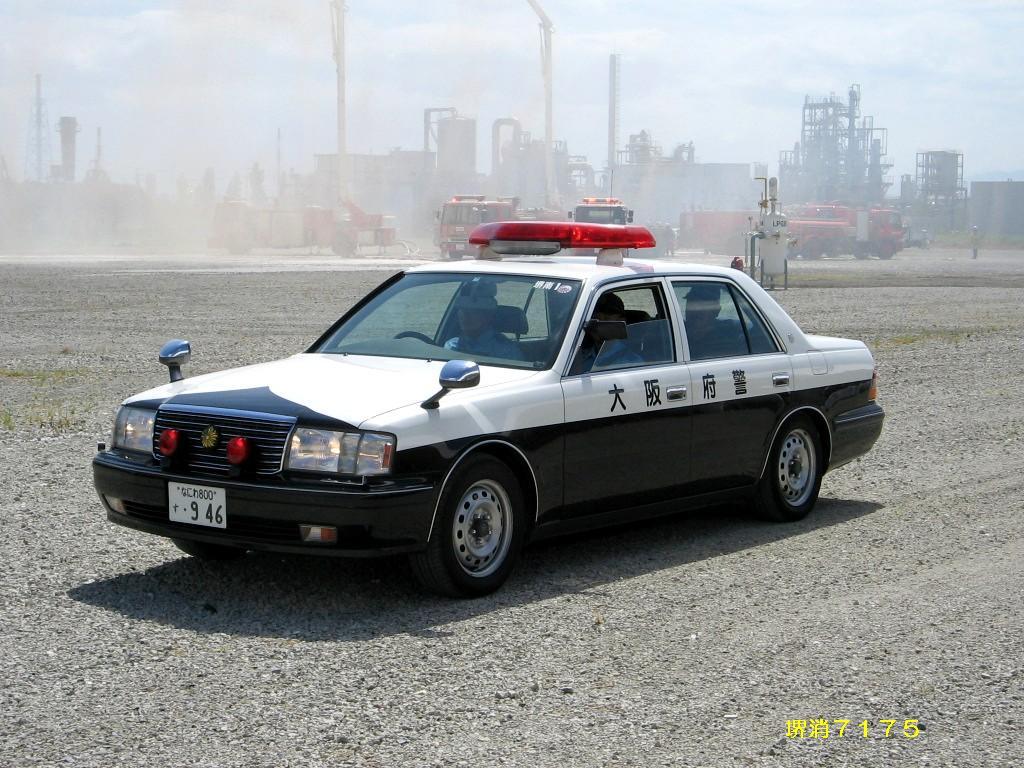 fender mirror, wing, lusterka na błotnikach, mocowane przy błotniku, japoński samochód, motoryzacja z Japonii, JDM, ciekawostki, oryginalne, フェンダーミラー, 日本車, Toyota Crown S15, policyjny, patrol car