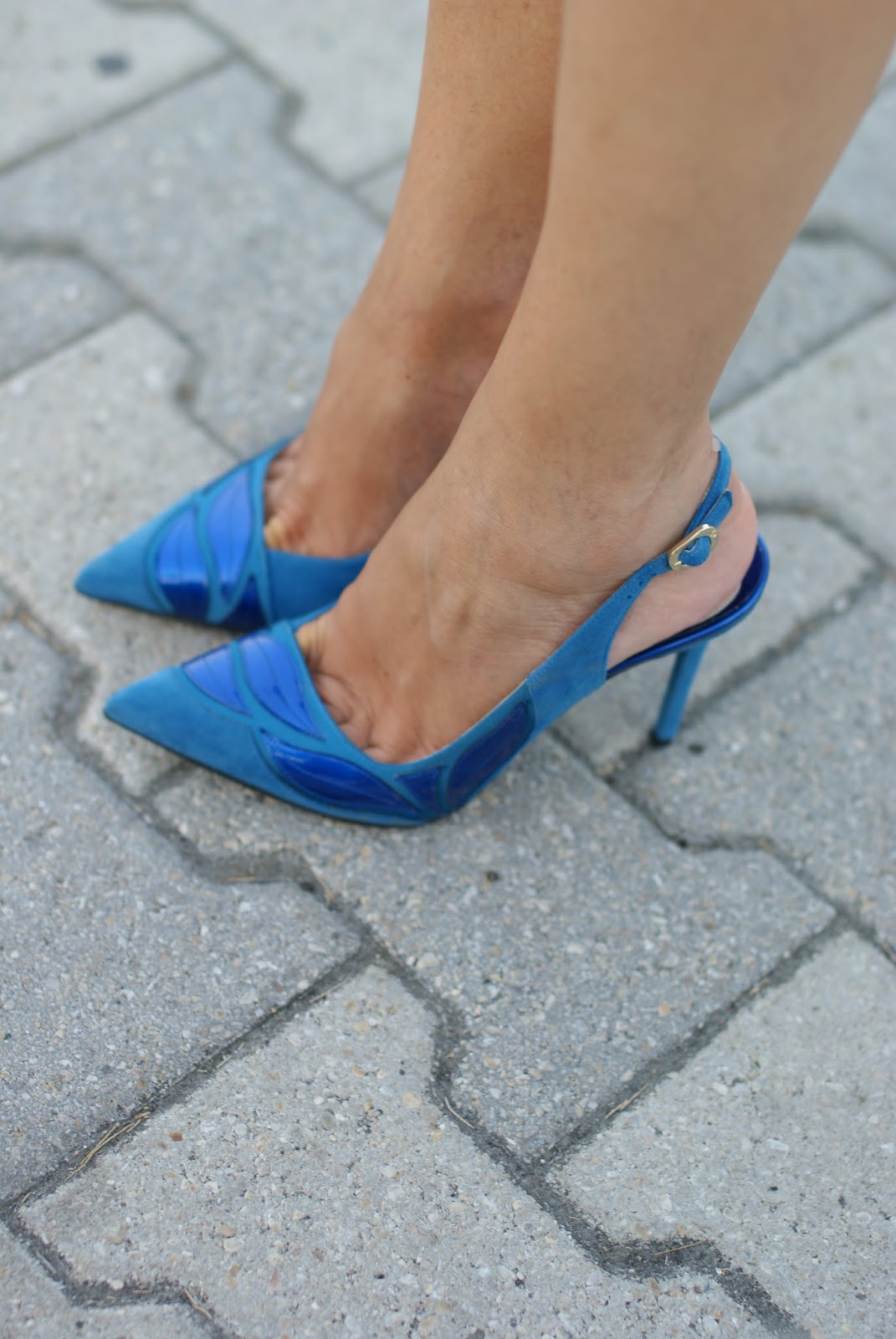 Nando Muzi slingback suede heels on Fashion and Cookies fashion blog
