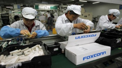 Tiap Hari, 300 Ribu Pekerja Foxconn Garap 500 Ribu Unit iPhone 5s