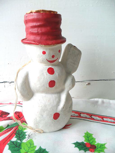 Town and prairie vintage christmas papier mache for Paper mache christmas