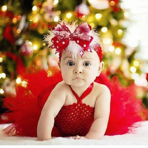 Photo bébé fille en rouge télécharger