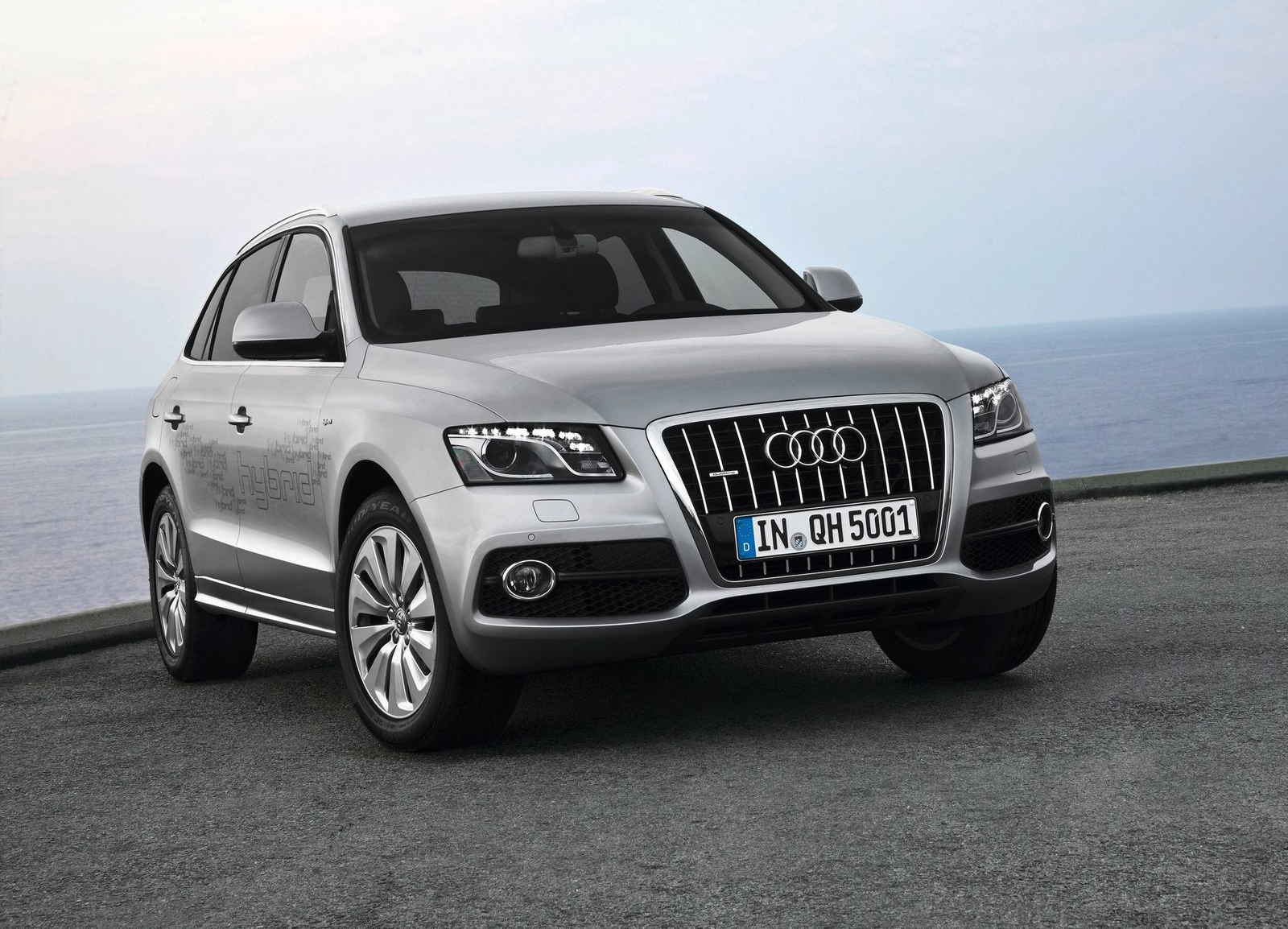 2012 audi q5 hybrid wallpapers the world of audi. Black Bedroom Furniture Sets. Home Design Ideas