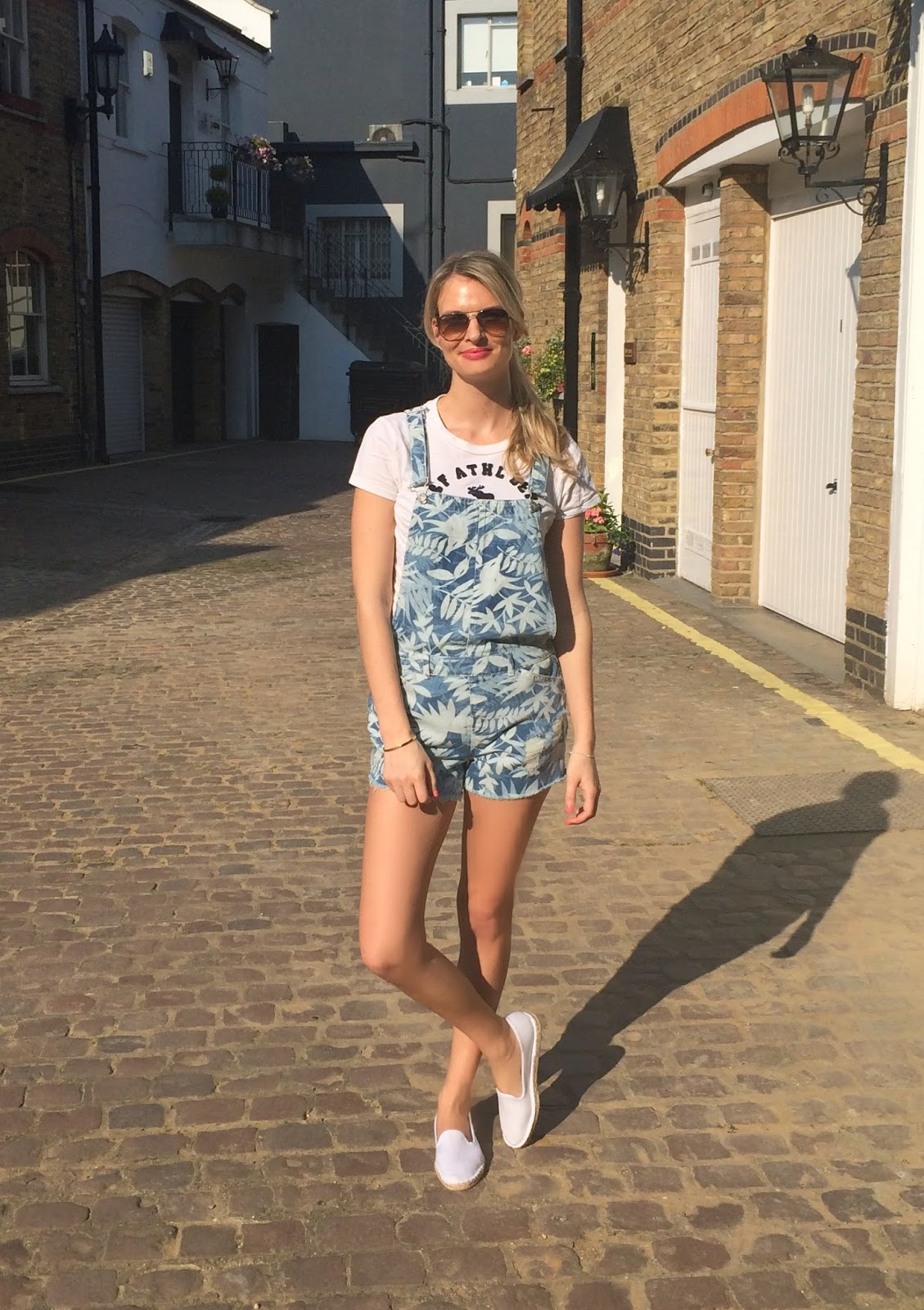 look book, fashion blogger, fashion blogger london, dungarees, printed dungarees, zara dungarees, dungarees street style, dungarees shorts, dungarees fashion blogger, espadrilles, asos, asos espadrilles, chrissabella, london, london blogger, london street style