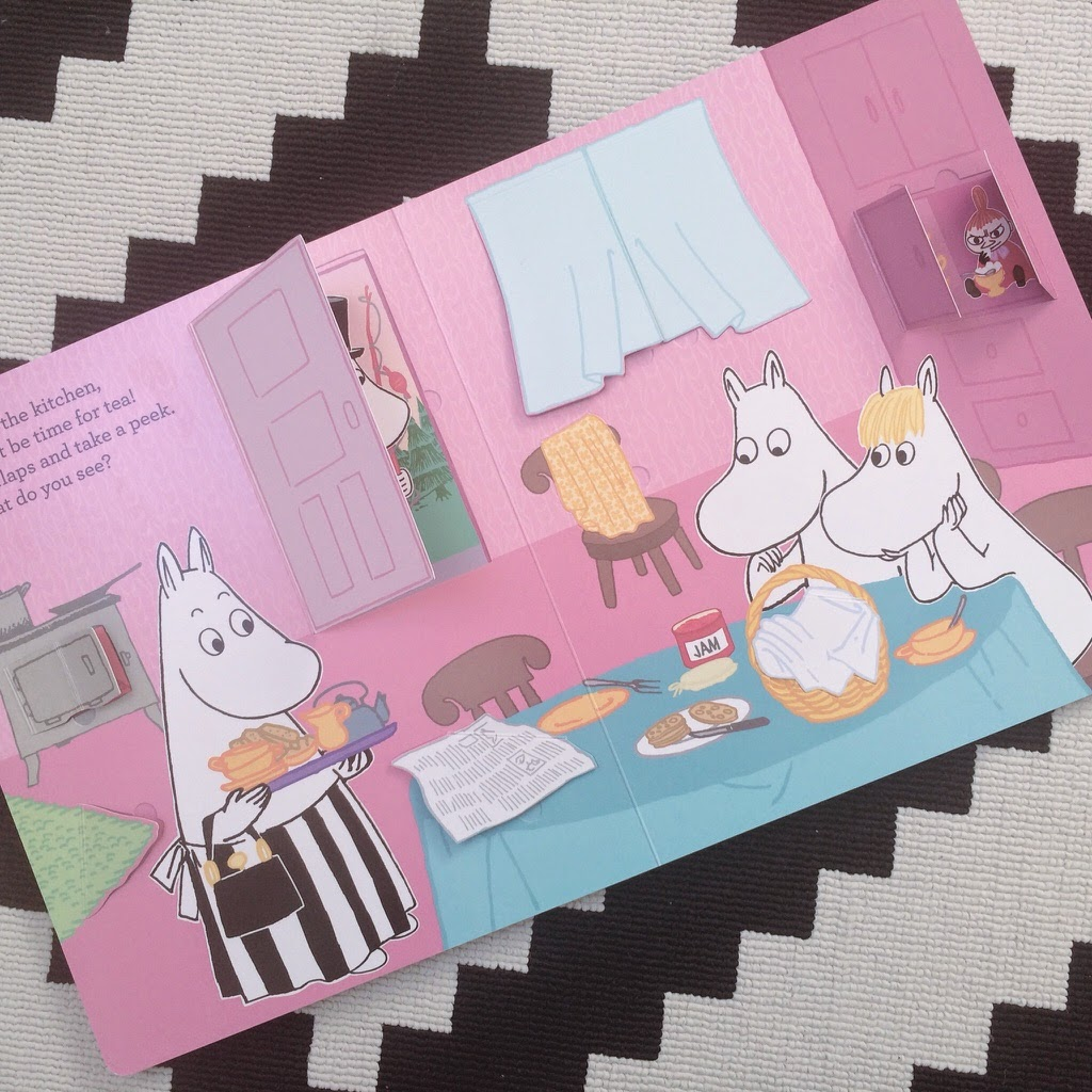 Moomin's very big lift the flap book