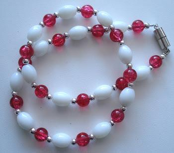 Kette rot-weiß mit Magnetverschluss