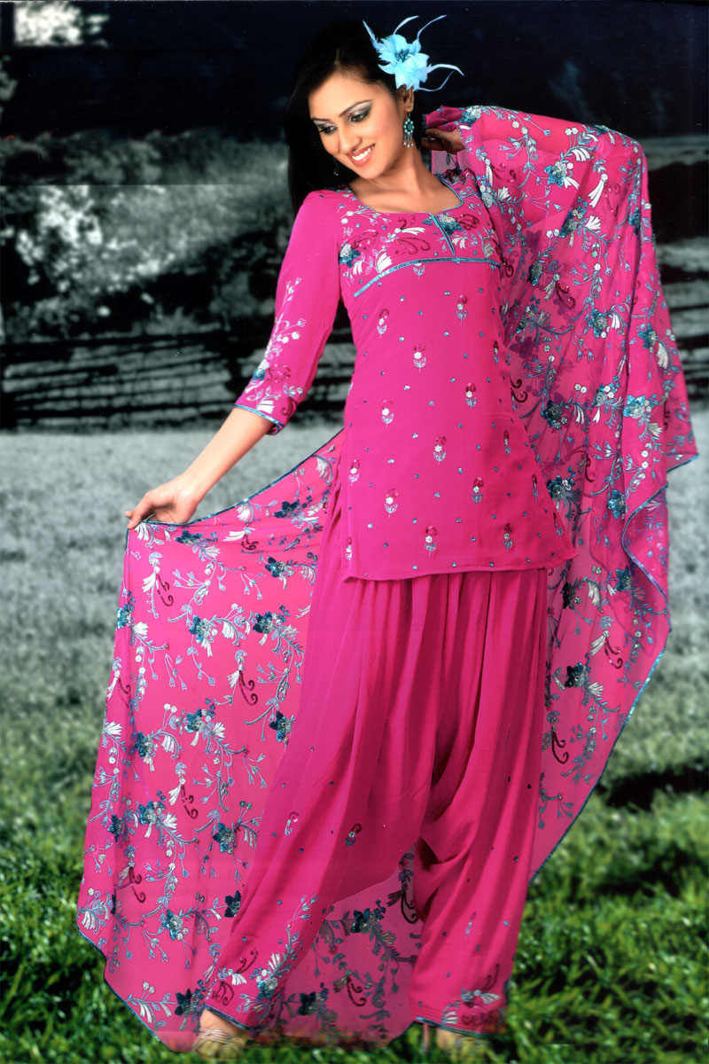 HOT GIRLS|YOUNG GIRLS|SEXY GIRLS Punjabi Suits Designs* Punjabi Dress Collection 2011