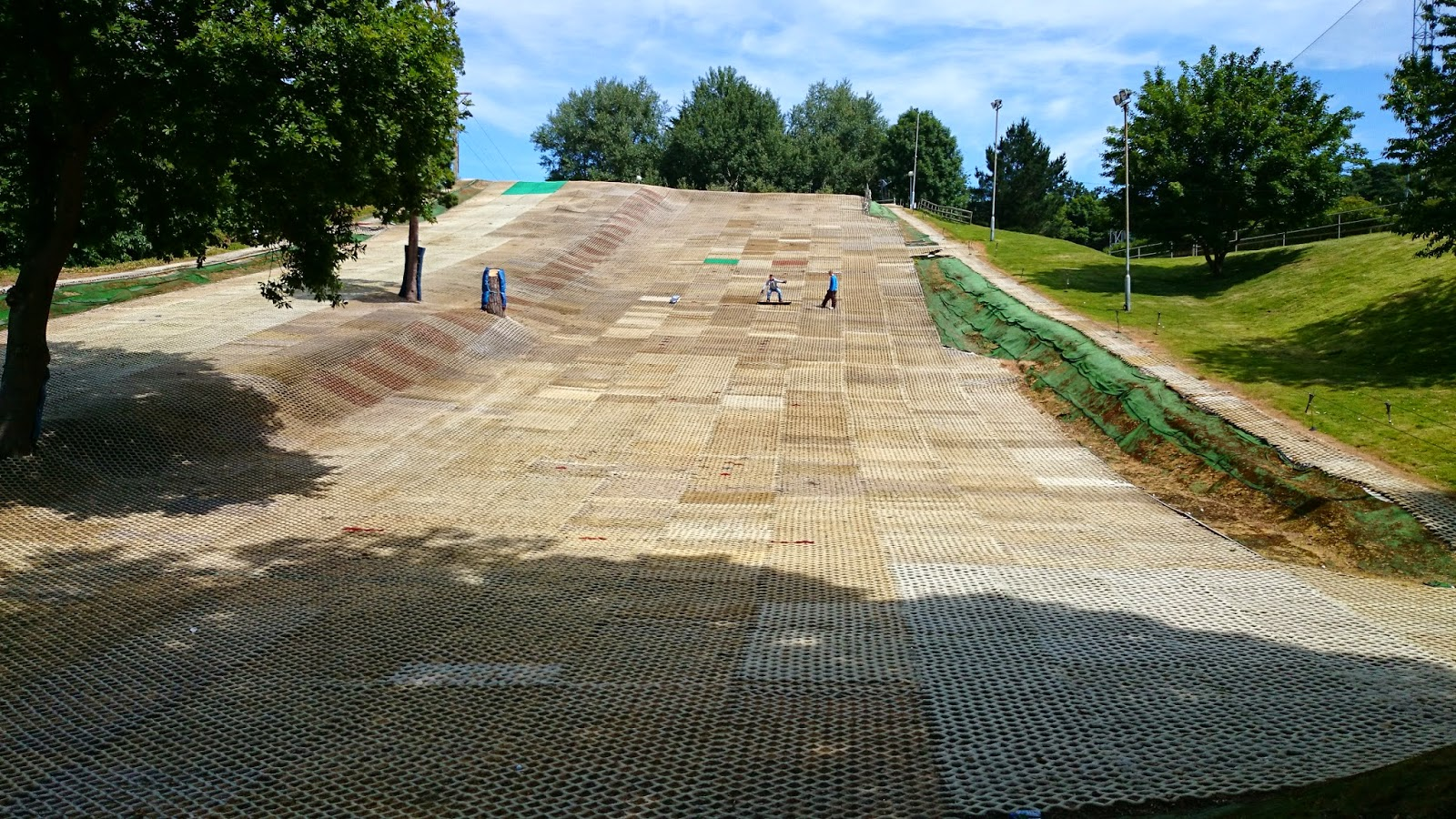 dry ski slope snowboarding private lesson tuition snowboard skiing lift