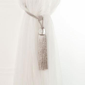 abrazadera para cortina color plata y bola de cristal