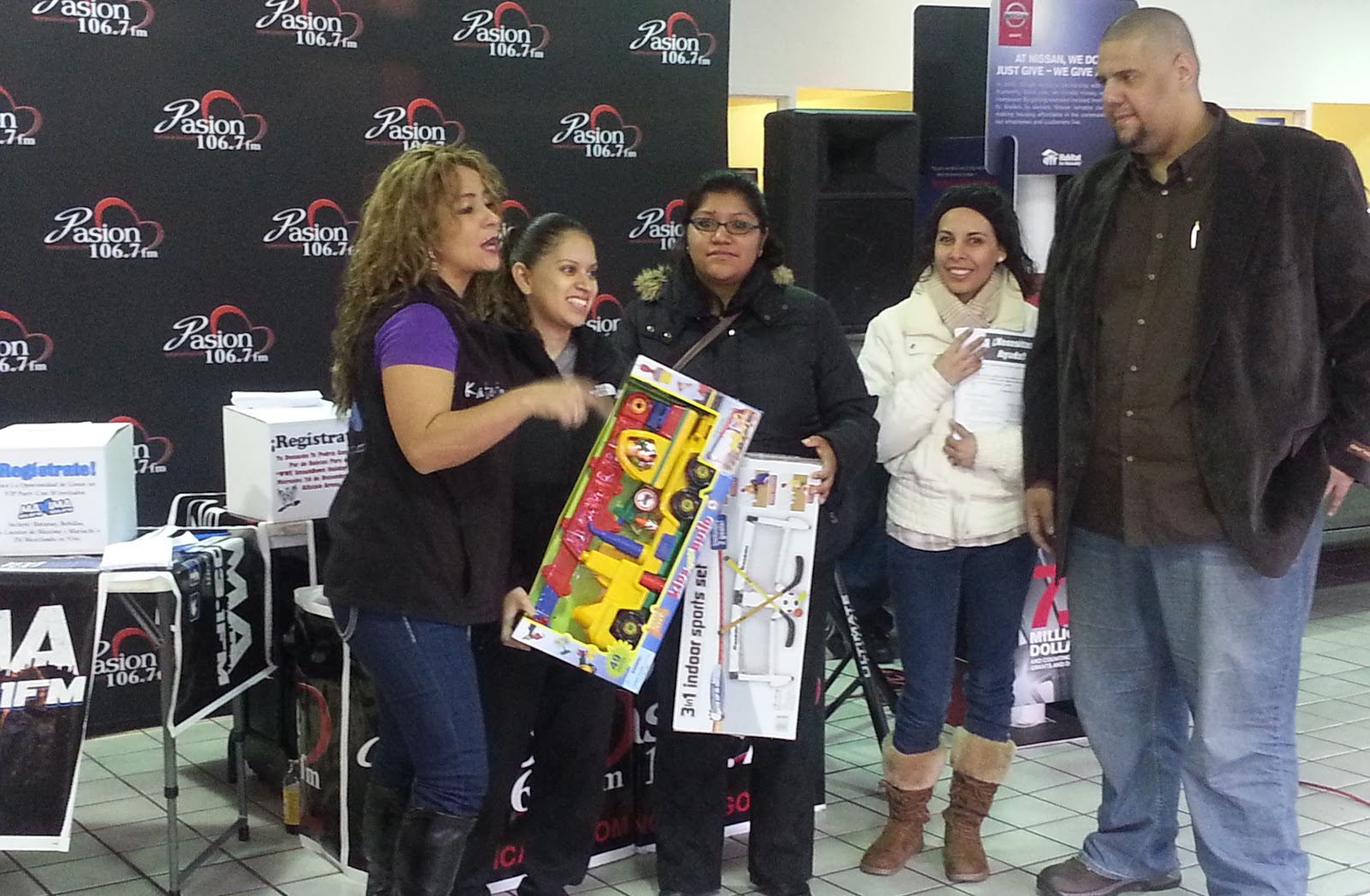 Mid City Nissan >> Mid City Nissan Hosts Toy Drive For Needy Children Berman Auto