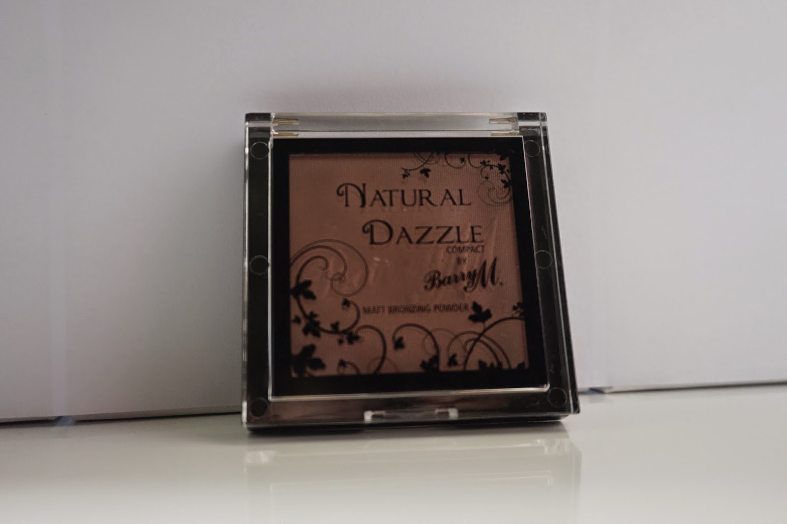 Barry M Natural Dazzle Matt Bronzing Powder Compact - Dusty Foxes Beauty Blog