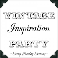 http://www.mysalvagedtreasures.com/2015/05/vintage-inspiration-party-190_19.html