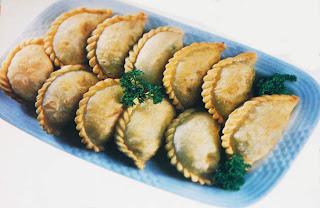 http://resepnengnayla.blogspot.com/2013/03/aneka-resep-pastel-krispi-ayam-jamur.html