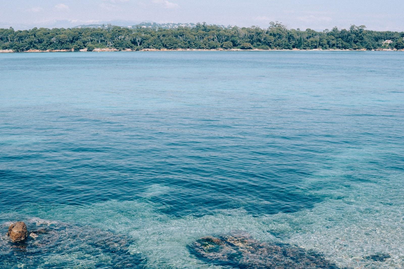Mer turquoise, Côte d'Azur