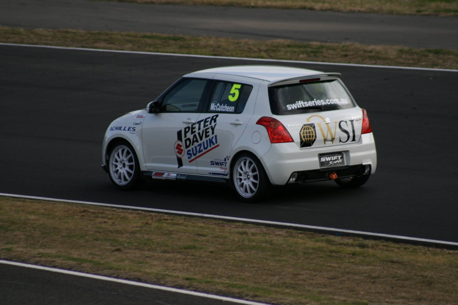 Australian Swift Racing Series, dla młodych kierowców wyścigowych, Suzuki Swift