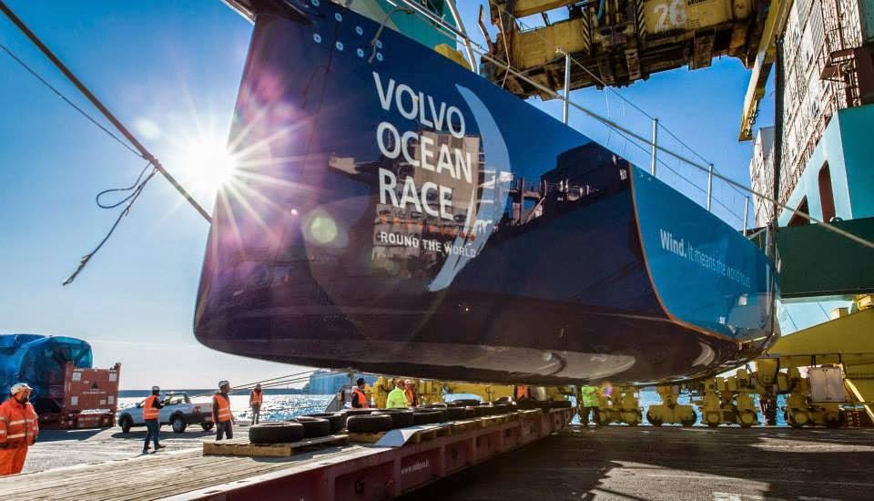 Team Vestas Wind arrivé à Gênes par cargo.