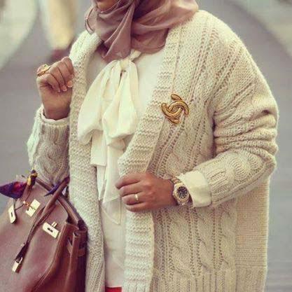 hijab mode pull pour femme voil e hijab et voile mode style mariage et fashion dans l 39 islam. Black Bedroom Furniture Sets. Home Design Ideas