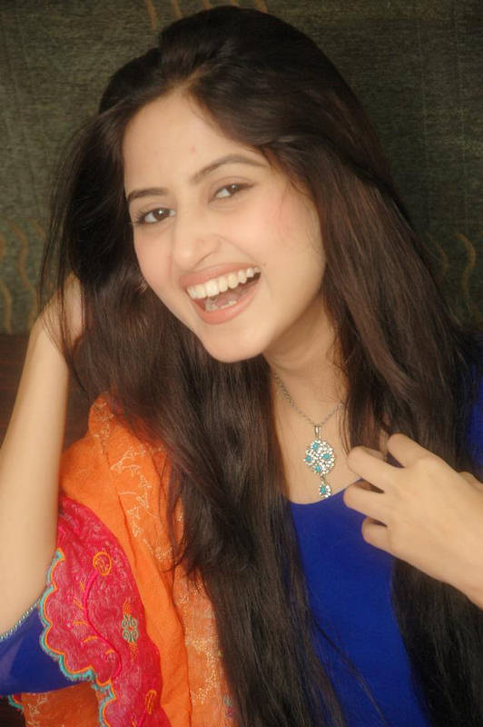 Sajal-ali-beautiful-photos-New-picture-Gallery-HD-Wallpaper-drama ...