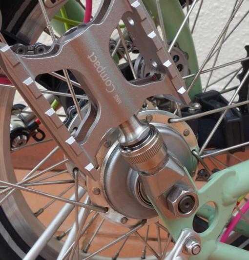 detalles pedal en MKS Ti Pedal Holder