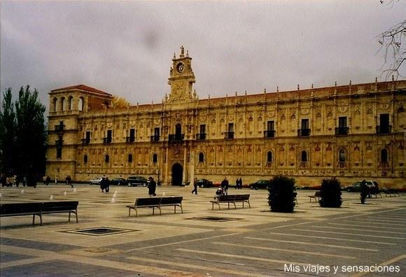 Fachada del Convento San Marcos, León