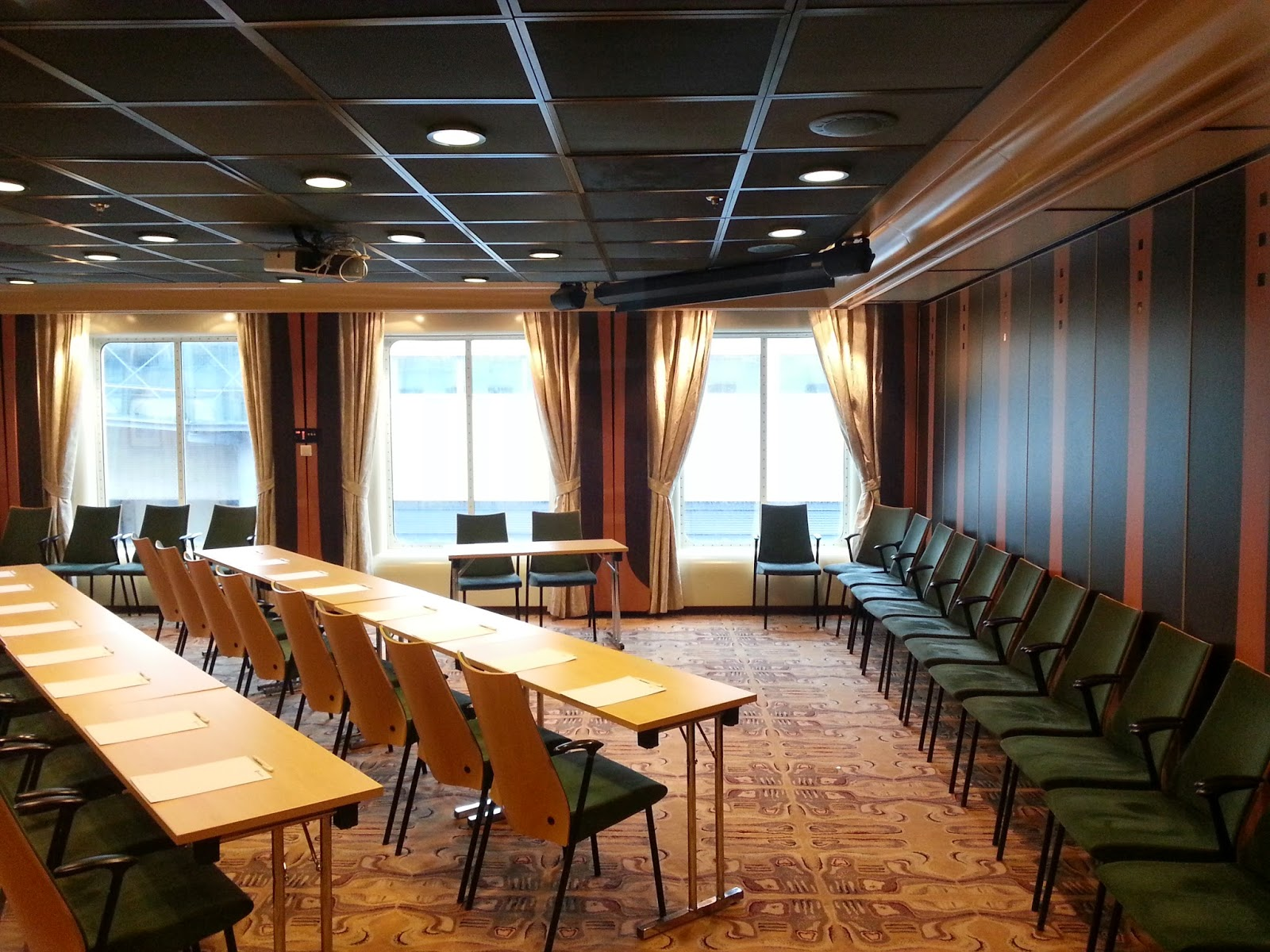 Hurtigruten MS Finnmarken - Conference Facilities