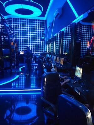 6 Cyber cafe yang super canggih ,terasa dalam Tron Legacy